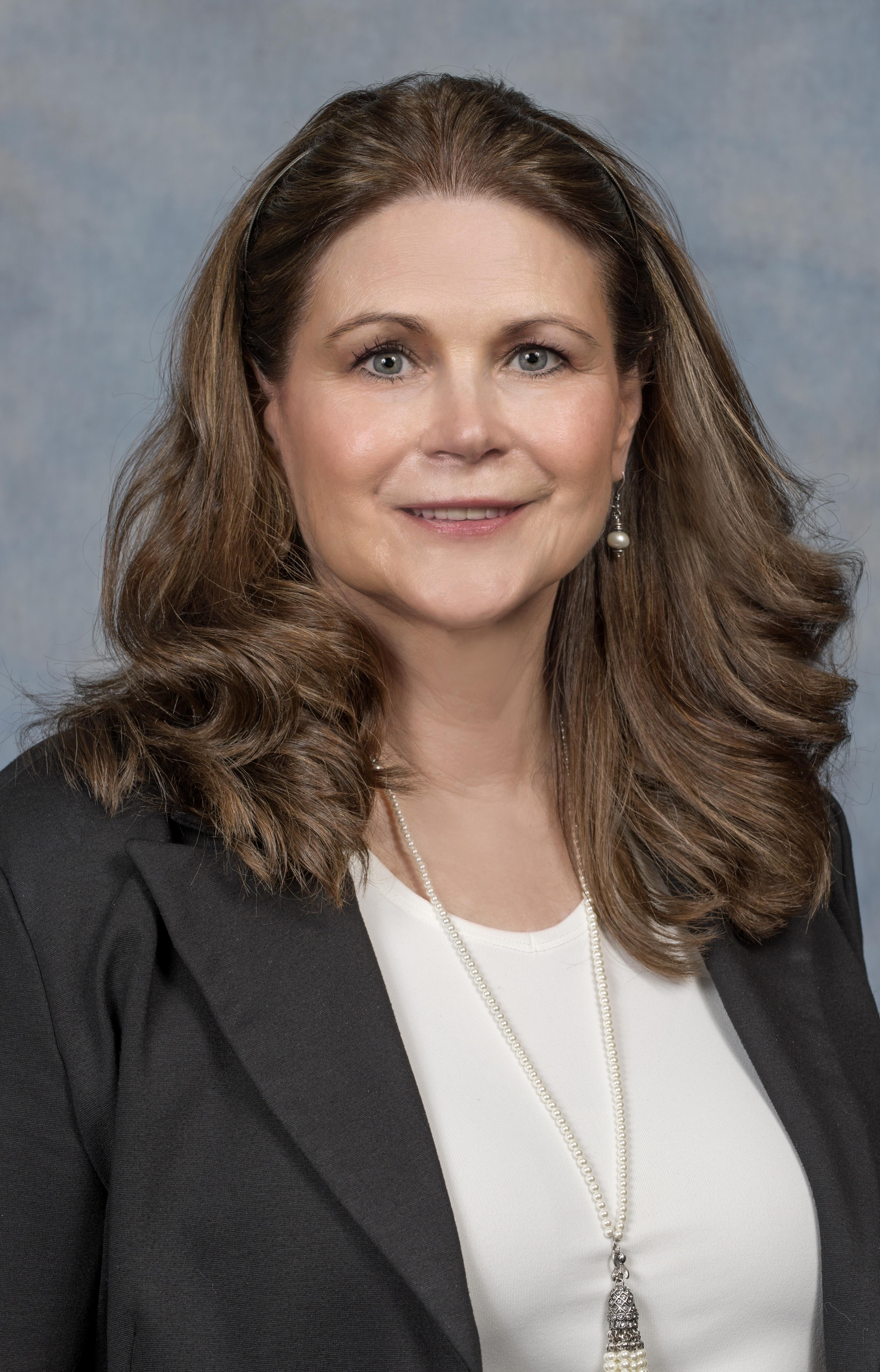 Mary Kay McMahon headshot